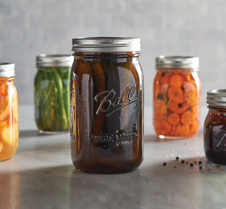 Mason jar with lid and band